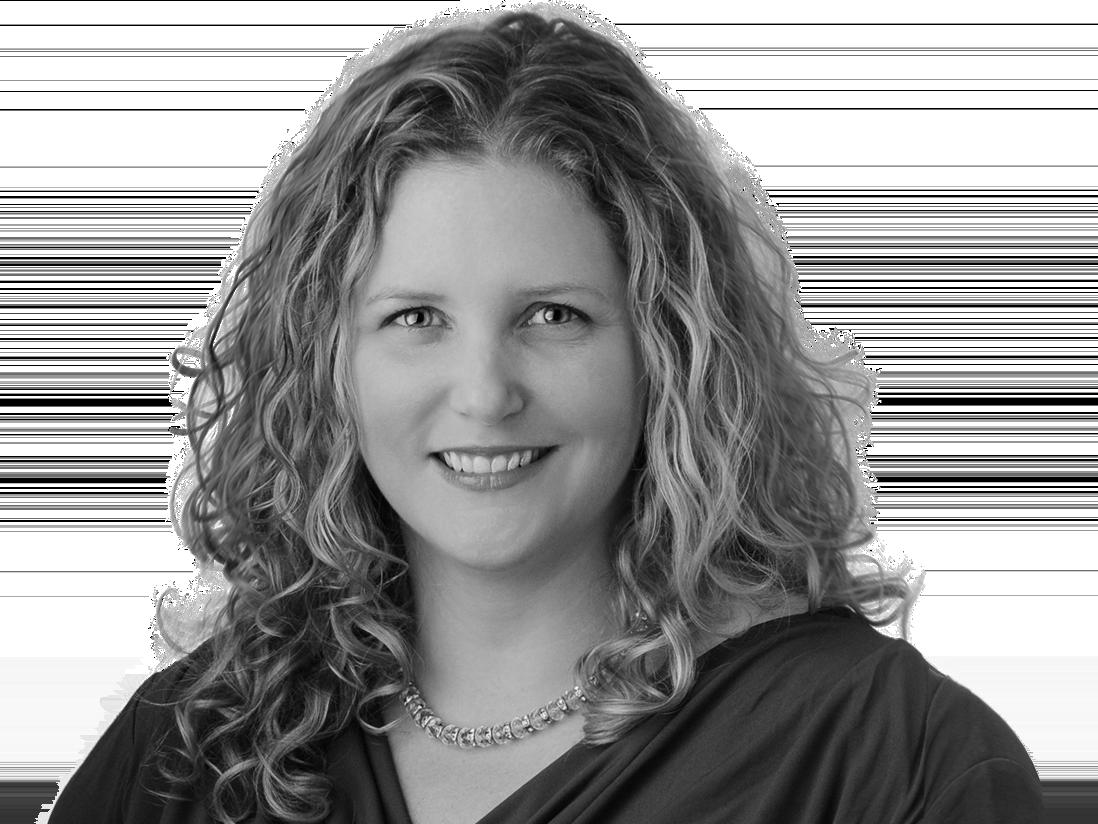 Suzanne Walczak headshot